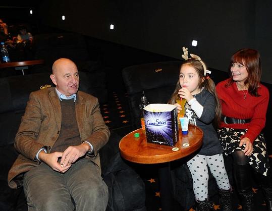 Ljuba Krbová s Ondřejem Neffem a vnučkou Dominikou.