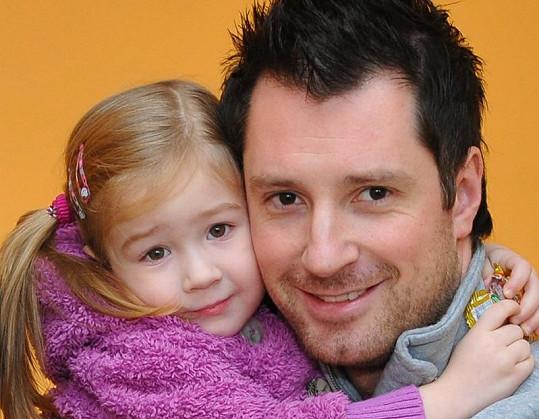 Čtyřletá Lilly bude na Štedrý den bez tatínka.