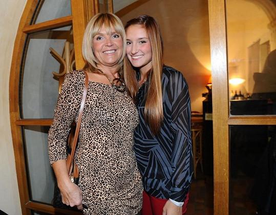 Věra Martinová vyrazila do společnosti se svou krásnou dcerou Anežkou.