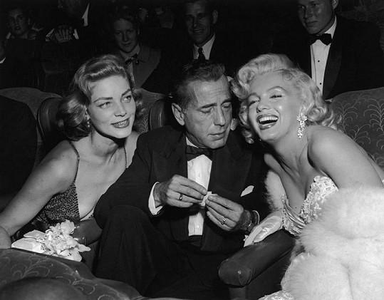 Lauren Bacall s manželem Humphrey Bogartem a Marilyn Monroe.