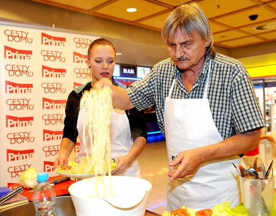 Pavel Soukup se snažil vypadat jako odborník.