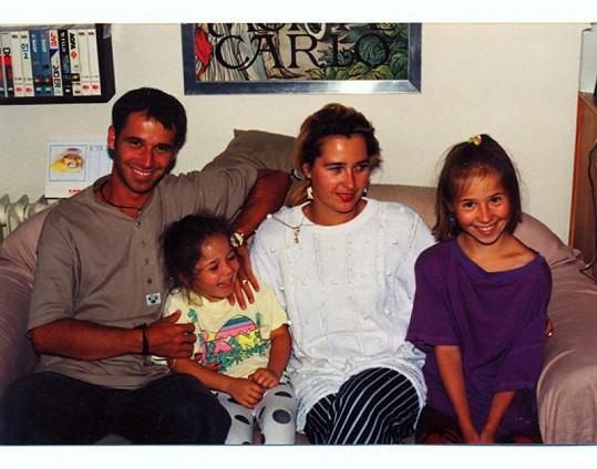 Honza Musil se svou ženou Ivetou a dcerami Lucií a Veronikou.