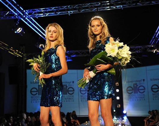 Vítězky Elite Model Look Lenka Hanáková a Leona Hochelová ze Slovenska.