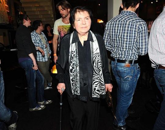 Jiřina Švorcová se od té doby s Jiráskovou nebavila.