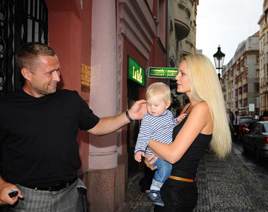Lucie s Jaroslavem Bednářem a malou Deniskou