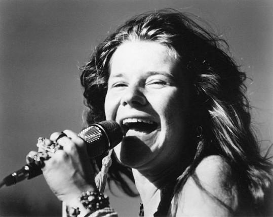 Janis Joplin proslavil její nakřáplý, přesto však podmanivý hlas a kytarové umění.