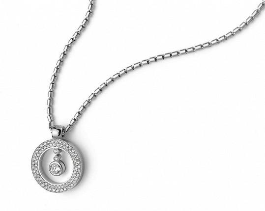 Tento šperk z kolekce Cento v hodnotě 120 tisíc korun bude na plese vydražen. Výtěžek půjde na dobročinné účely.