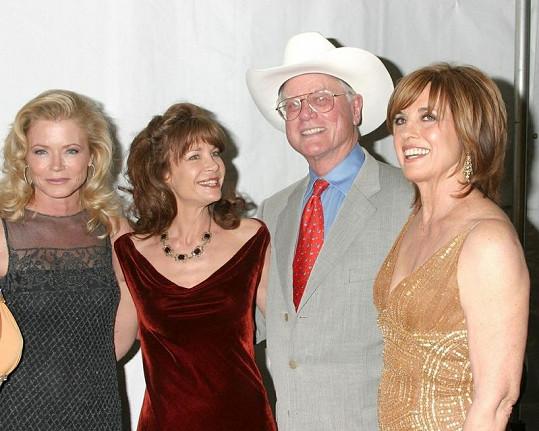 Sheree J. Wilson a herečtí kolegové ze seriálu Dallas.