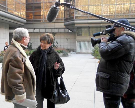 Při natáčení 13. komnaty se Jarka potkala s Rudolfem Jelínkem. Oba film Štěňata proslavil.