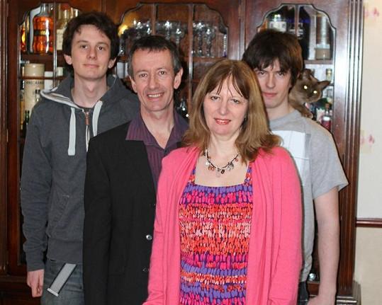 Paul s manželkou Kitty a syny Nickem a Simonem.