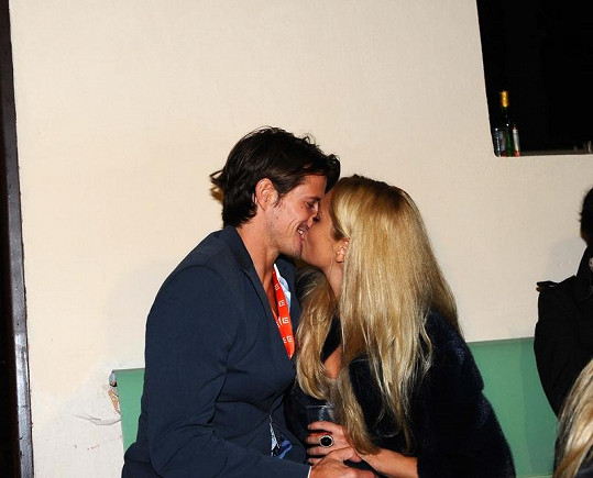 Taťána Kuchařová s přítelem Lanem Carlsonem svatbu ani rodinu zatím neplánují.