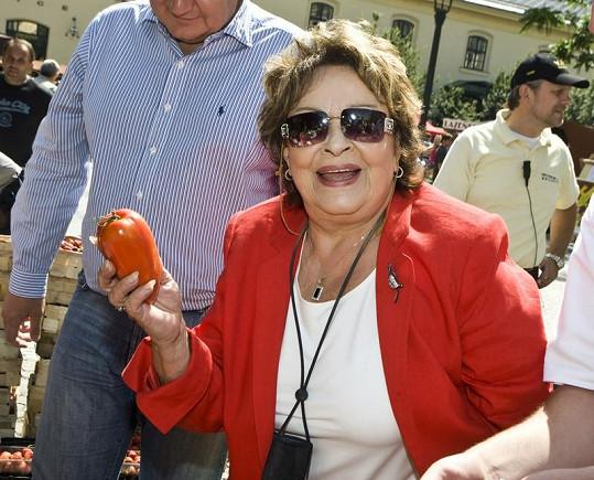 Jiřina byla nadšená z každého kousku zeleniny.