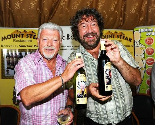 Milan Drobný a Zdeněk Troška pokřtili své vlastní víno.
