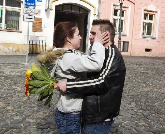 Bohužel ani po Výměně se Milan rodině nevěnuje tak, jak by si jeho žena přála a jak jí slíbil.