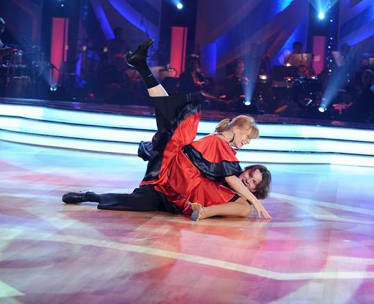 Martin Procházka zakopl a nepříjemně upadl.