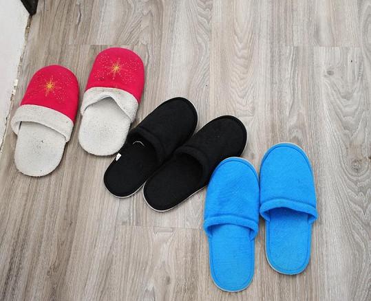 Růžové pantofle jsou pro Marošovy slečny.