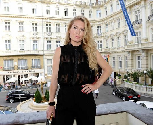 Olga Menzelová se ukázala v hodně odvážném modelu.