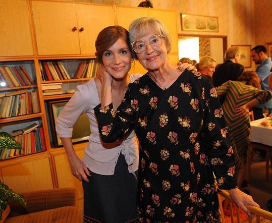 Hana Vágnerová a Nina Divíšková se během natáčení dost sblížily.