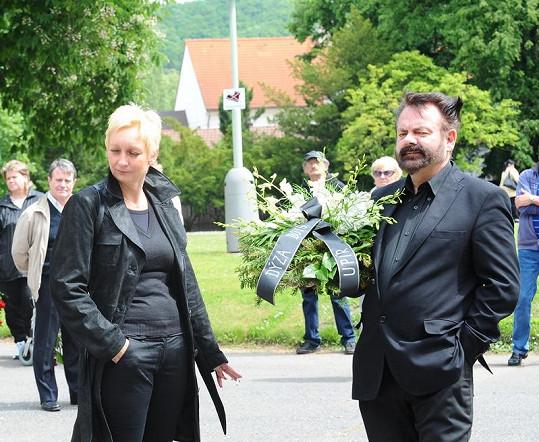 Upír Krejčí s manželkou.