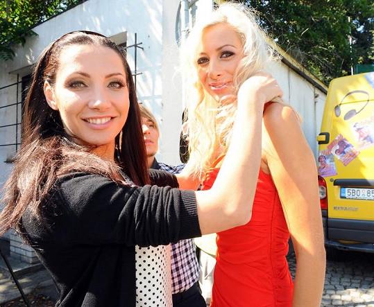 Olga Lounová se svojí sestrou Mirkou.