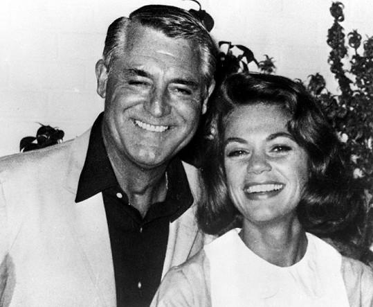 Dyan Cannon a jejího exmanžela Caryho Granta dělilo 33 let.