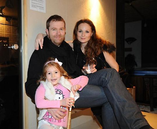 Markéta Hrubešová s manželem Davidem Krausem a dcerkou Christel.