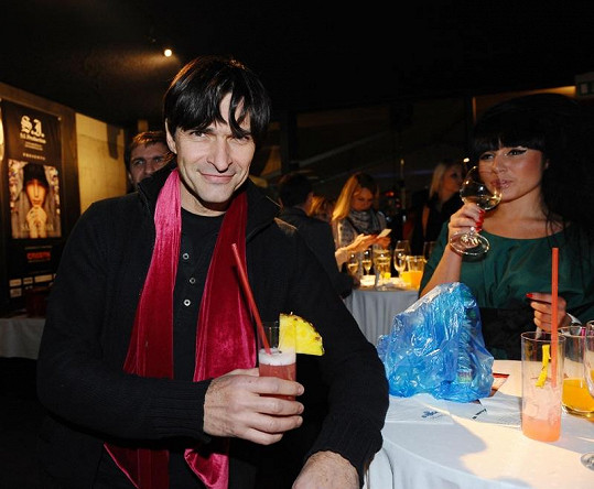 Zdeňku Podhůrskému je jasné, že v casinu byla Bartošová opilá.