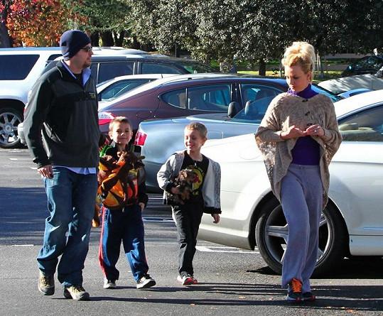 Britney s bodyguardem a syny.