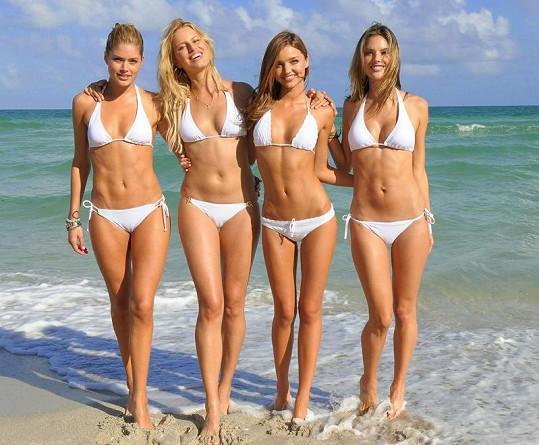 Victoria's Secret dnes často fotí na nejkrásnějších plážích světa.
