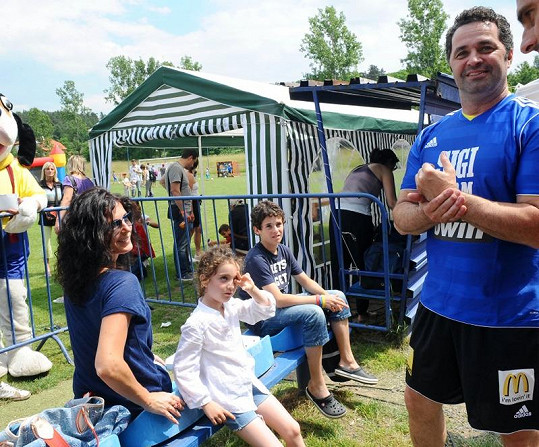 Martin Dejdar s rodinou na fotbalovém utkání v Lipencích