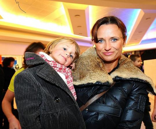 Jana Adamcová s dcerou Jasmínkou.