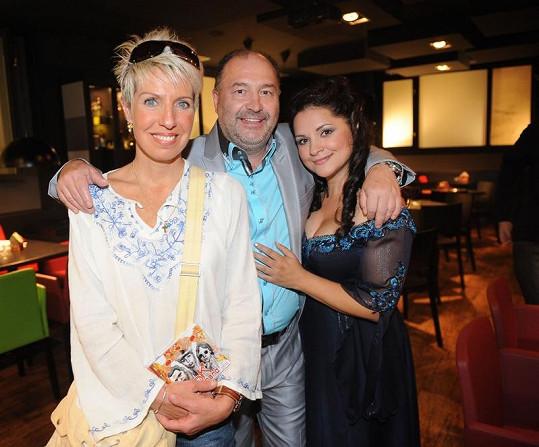 Marcela s Magdou Malou a Michalem Davidem.