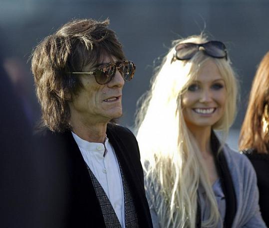 Ronnie s Nicolou na dostizích.