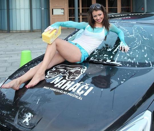 Petra Pudová má luxusní postavičku.