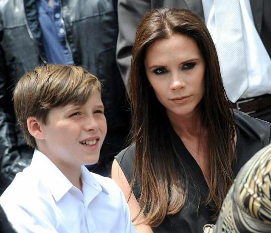 Victoria opět během těhotenství téměř nepřibrala. Na snímku se synem Brooklynem.