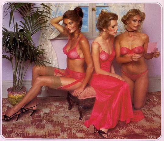Průsvitné spodní prádlo z roku 1979 bylo velice sexy.