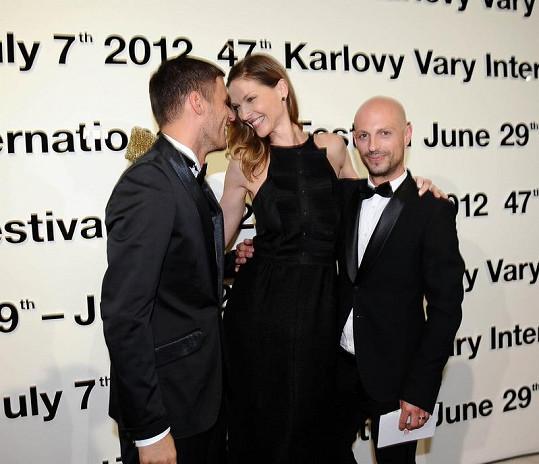 Pavlína Němcová se svým stylistou Filipem Vaňkem a Leošem Marešem.
