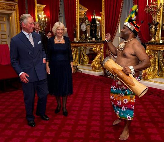 Přivítání královského páru bylo celkově velmi svérázné...