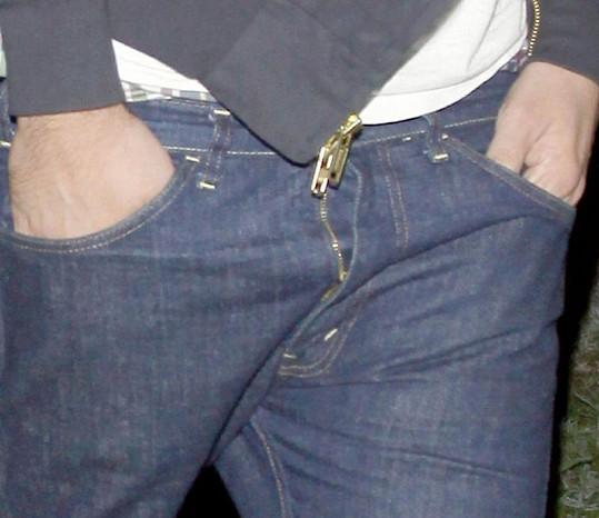 Pattinson měl nejspíš rozjetý zip.