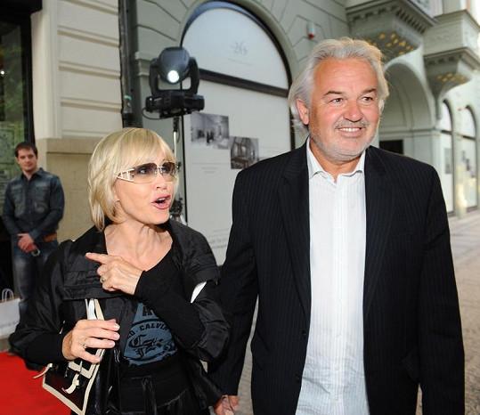 Jana Švandová s manželem Pavlem Satorie