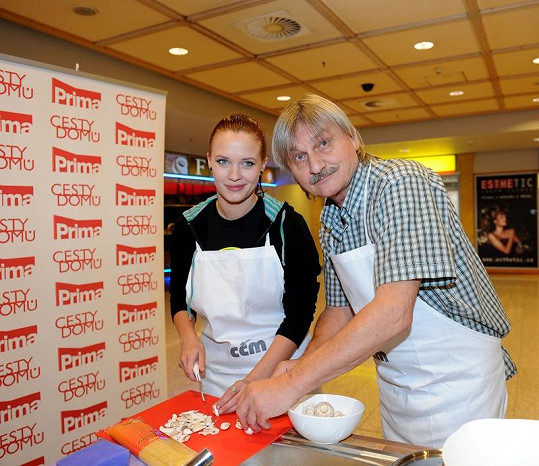 Pavel Soukup s Kristýnou Leichtovou.