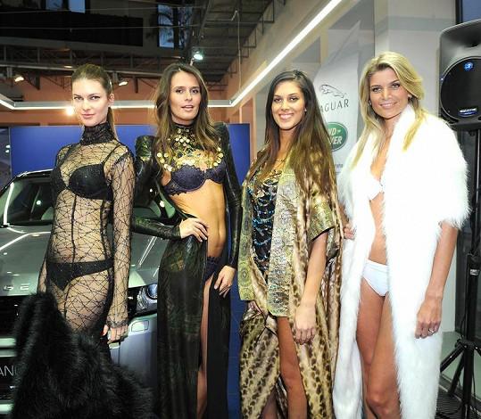 Budoucí hlavní hvězdy přehlídky Top Secret Natalia Gaplovská, Tereza Kotyšanová, Aneta Vignerová a Iveta Lutovská.