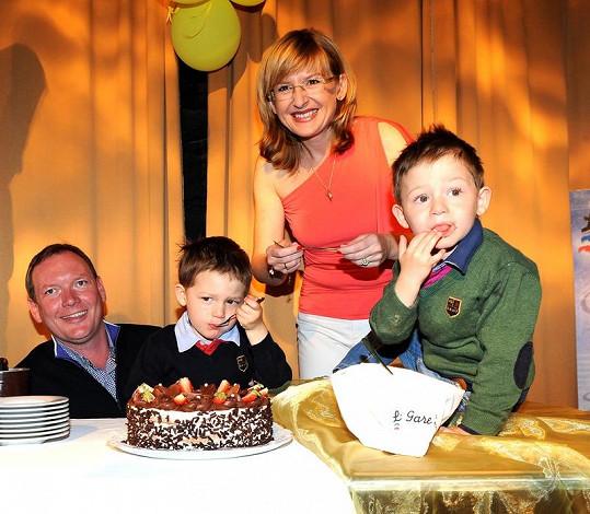Honzík a Adam oslavili třetí narozeniny.