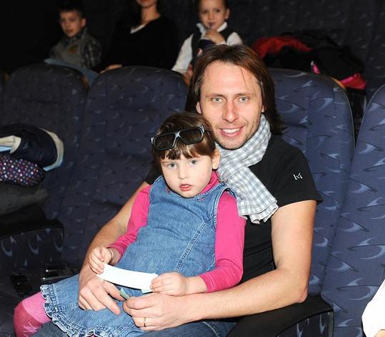 Bývalý reportér Novy Jan Tůma s dcerou.