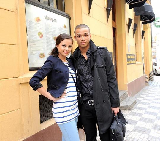 Ben tvořil krásný pár se zpěvačkou Monikou Bagárovou.
