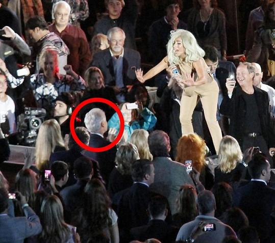 Lady Gaga a její vystoupení směřované bývalému prezidentovi.