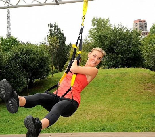 Cvičení zahrnuje i venkovní aktivity.