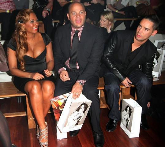 Bývalá členka skupiny Spice Girls měla na přehlídce australské návrhářky Yeojin Bae po boku svého manžela Stephena Belafonte.