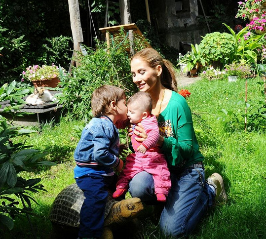 Děti Evy Decastelo Michael a Zuzanka se mají moc rády.