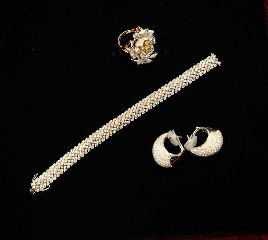 Kolekce šperků pro Moniku.